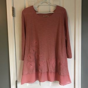 Embellished tunic by Lori Goldstein, Medium
